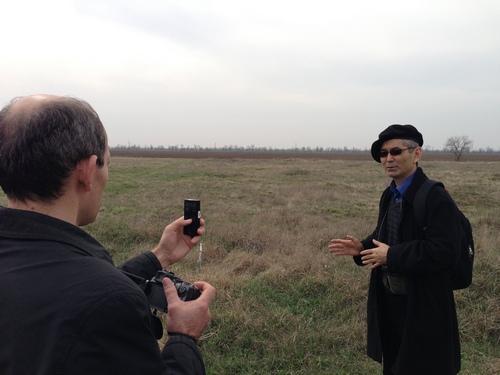 Амирбек Усманов на киргизском участке кладбища в с.Виноградово (Чалбасы)